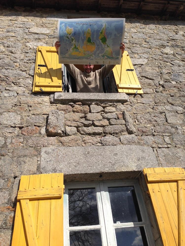 Alexis planisphères à la maison aux volets jaunes